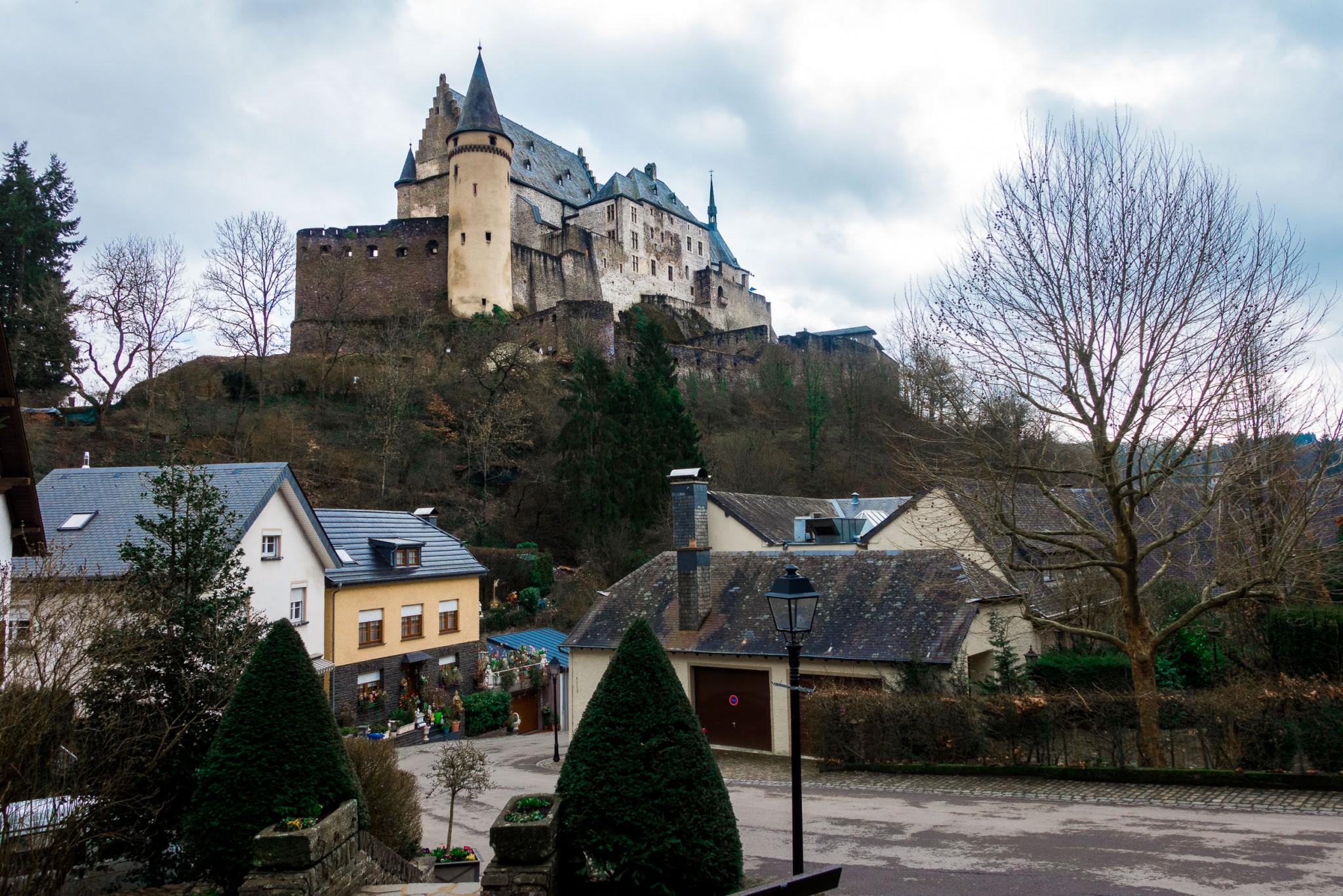 Ein letzter Blick auf die Burg Vianden in Luxemburg