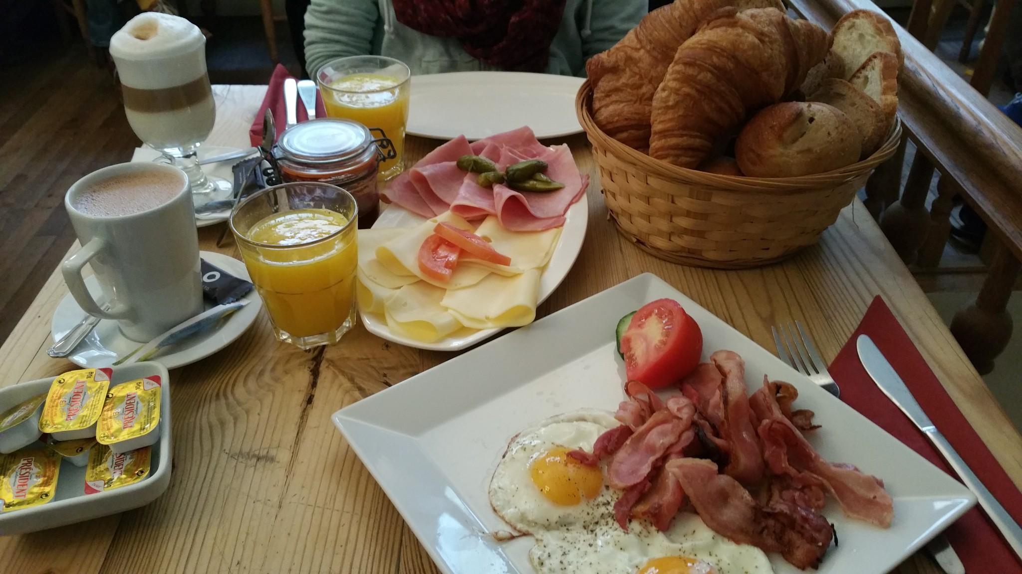Frühstück in La Table Du Pain für 30 Euro