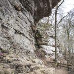 Felsen des Wanderweg zum Schiessentümpel