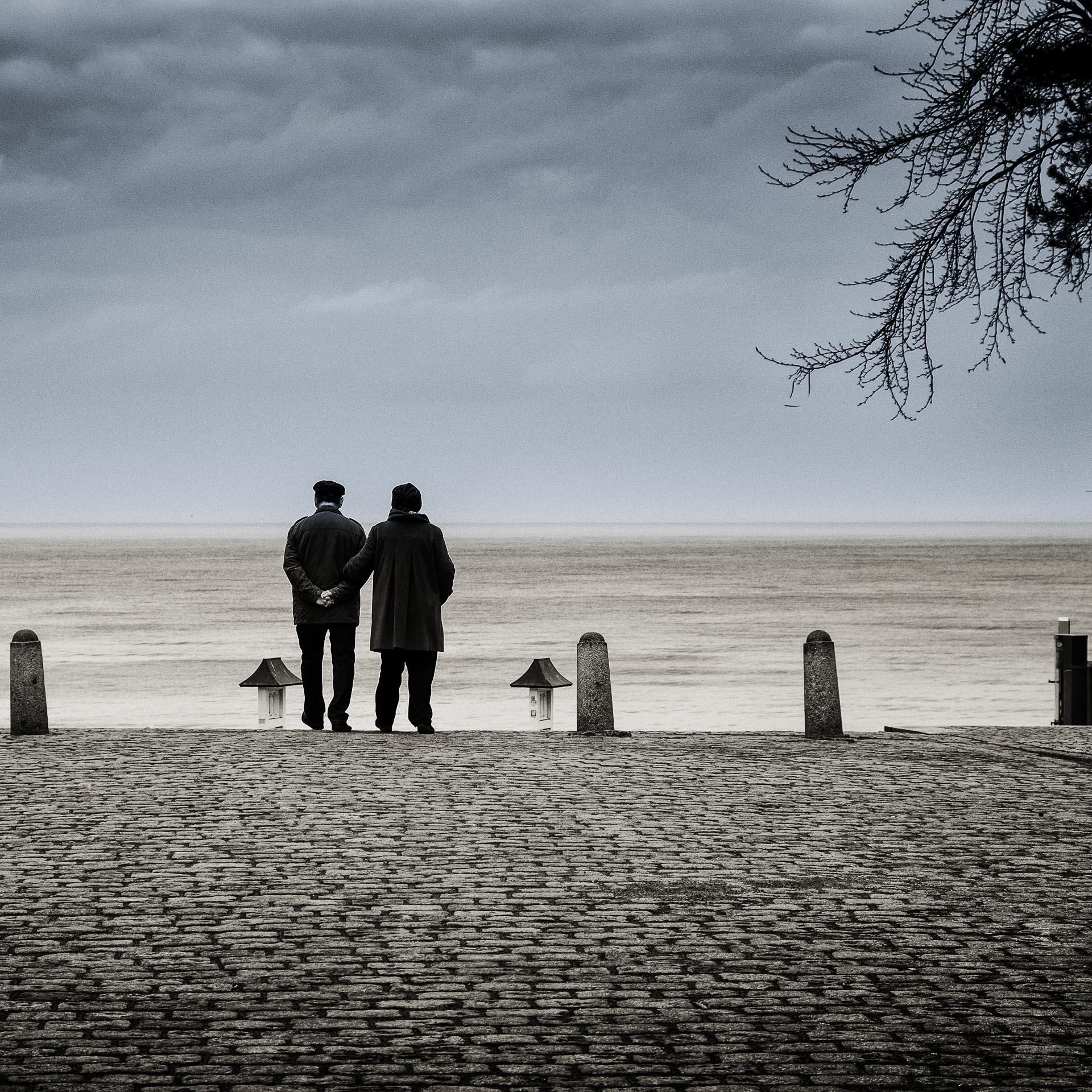 Altes Ehepaar was Spaziert
