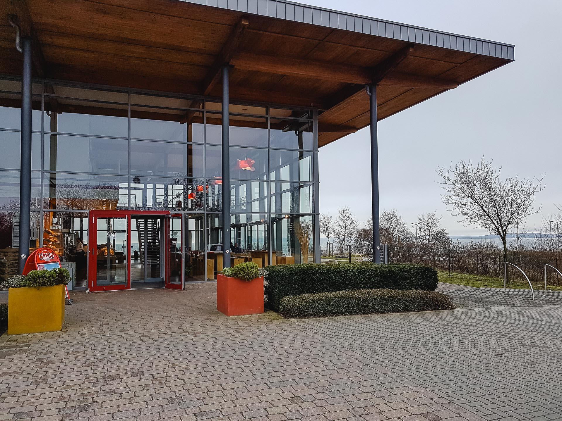 Café & Bäckerei Peters Fährhafen Mukran